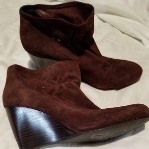 Suede dark brown wedge booties